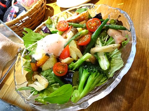 59ベーコンとゴロゴロ野菜温サラダ580