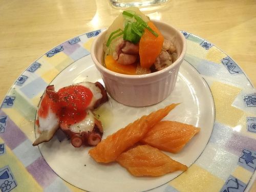 25とりせせり肉じゃがたこ梅肉、鮭ハラススモーク