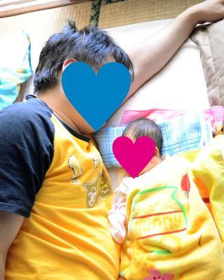 パパとお昼寝02
