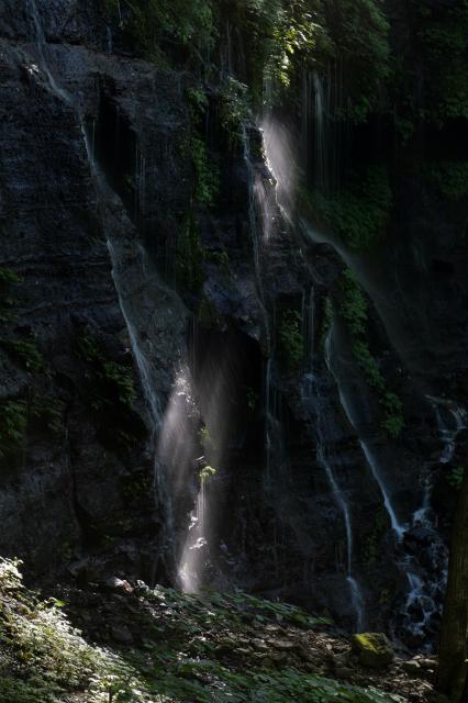 素蓮の滝光芒