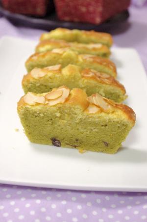 011_convert_20130509125351 抹茶と粒あんのケーキ
