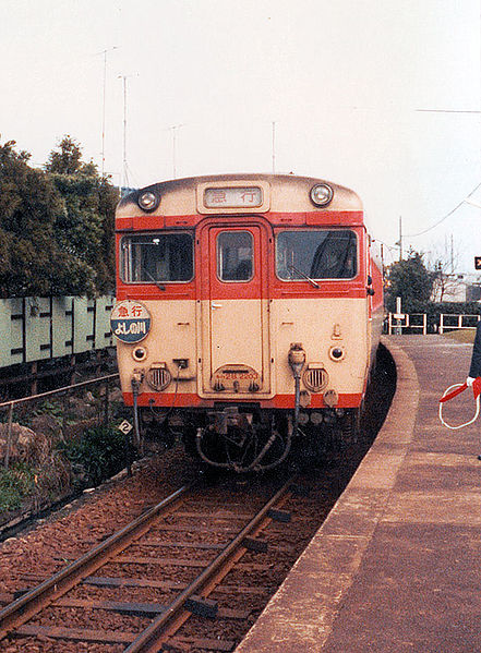 441px-JNR_komatsushima_yosinogawa.jpg