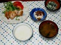 10/19 夕食 チキンソテー、ほうれん草の白和え、冷奴、ワカメの味噌汁、ごはん