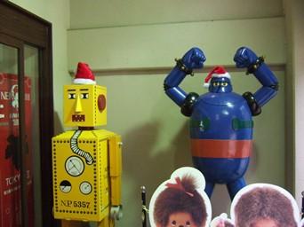 11/20 入口に鉄人28号とロボット
