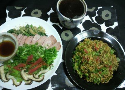 1-6夕飯カレー麺と焼き豚