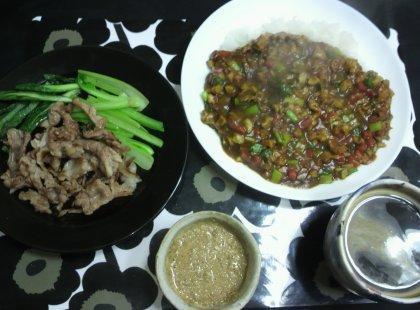 1-7夕飯カレーとカリカリ豚