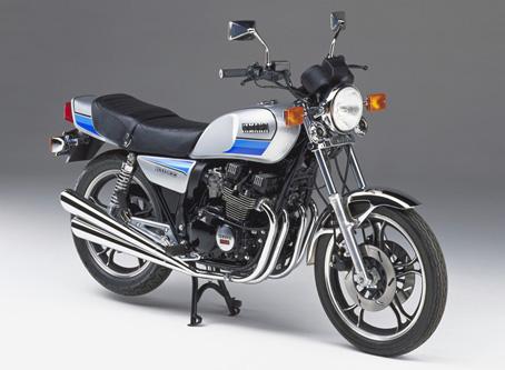 1981_XJ400D.jpg