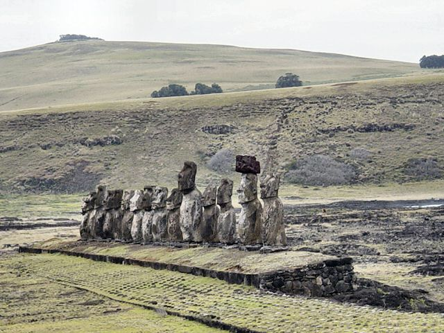 Easter-Island.jpg