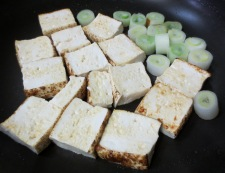 焼き豆腐と白菜の回鍋肉風 調理②