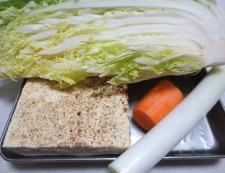 焼き豆腐と白菜の回鍋肉風 材料