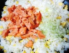 塩鮭とセロリのチャーハン 調理④