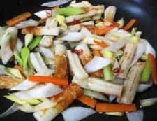 竹輪とねぎのピリ辛炒め 調理②