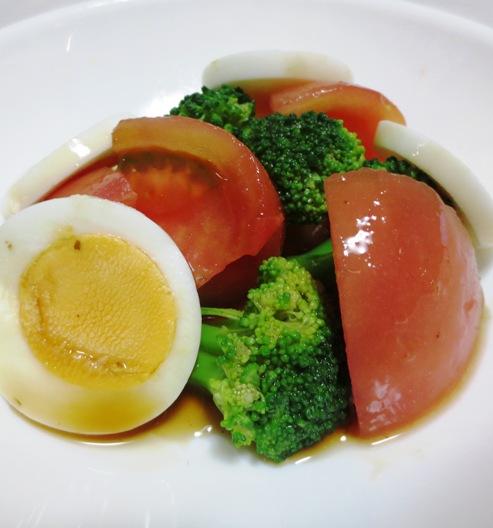 ブロッコリーとトマトのサラダ B
