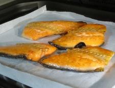 鮭アラの梅おろし和え 調理①