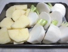 蕪とじゃがいものチーズ焼き 【下準備】①