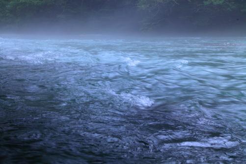 川霧の梓川