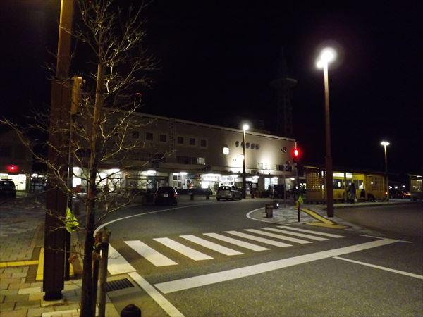 夜の西条駅