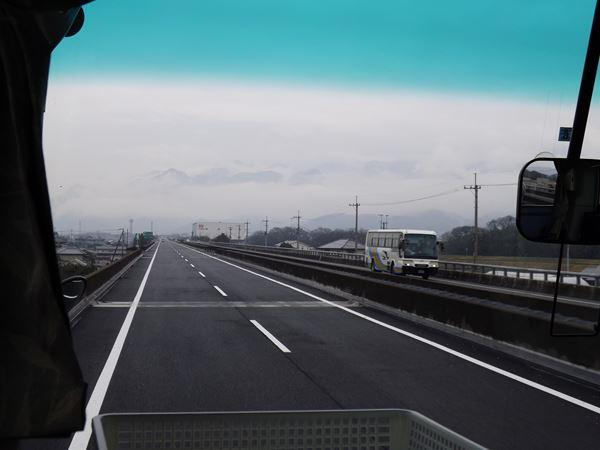 松山道を行く