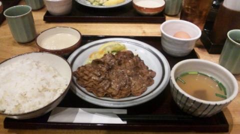 牛タン定食(^p^)