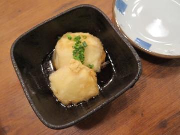 お通しの揚げ出し豆腐