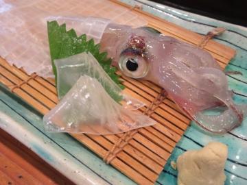 シンブルで一番美味しい大丸の活き烏賊、この日のサイズは2100円~