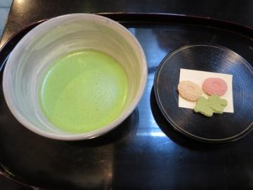 抹茶と干菓子 470円(税込)