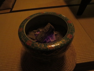 店内の火鉢