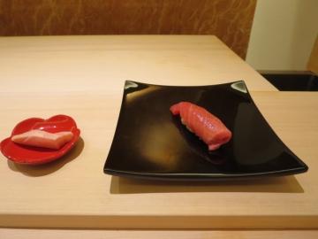 寿司に入ります