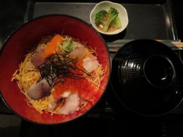 海鮮丼(白ごはん) 300円