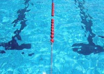 swimming-pool_2579155_convert_20130820003558.jpg