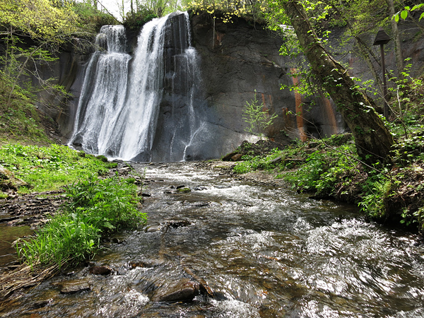 滝野すずらん丘陵 初夏 鱒見の滝