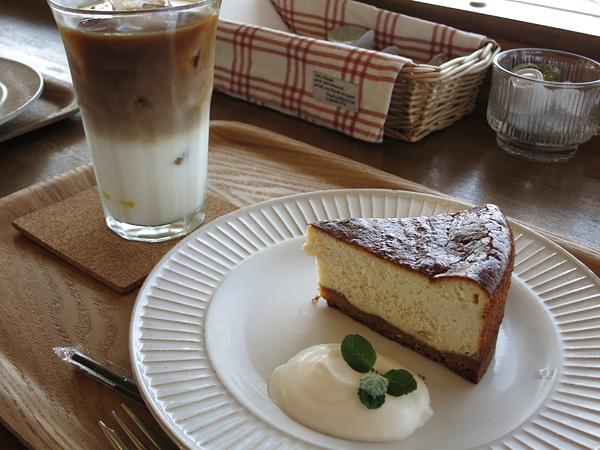 マウニの丘 バナナチーズケーキ