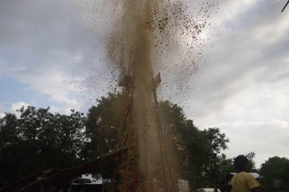 シャーザウンカン村の井戸孔洗浄