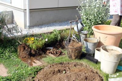 庭の掘り返し