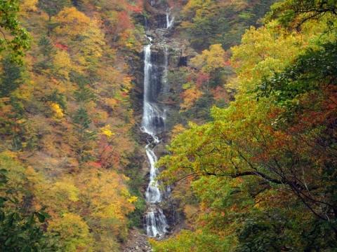 57蛇王の滝1