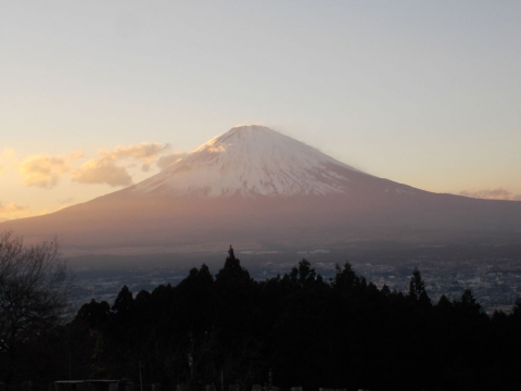 日替わり温泉からの富士山1