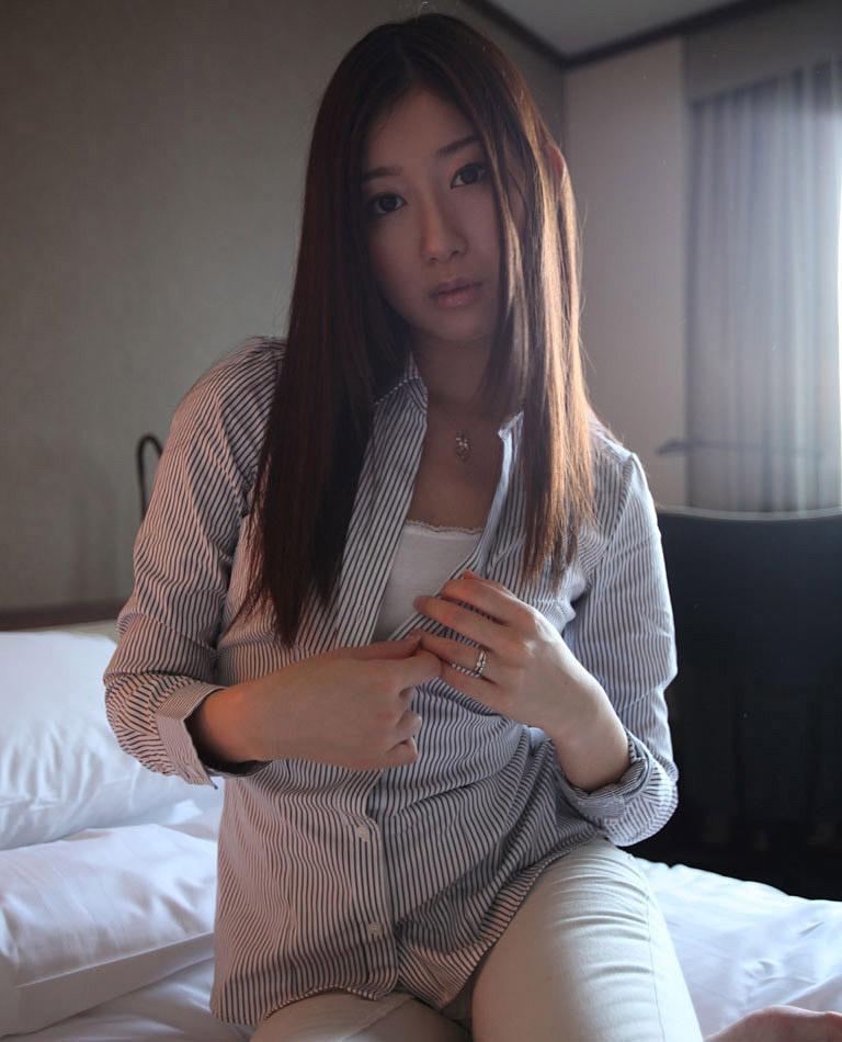 稲川なつめ。身長171cmの不倫美人人妻のセックス画像:エロ画像アンテ様