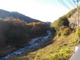 笛吹川沿いを歩く