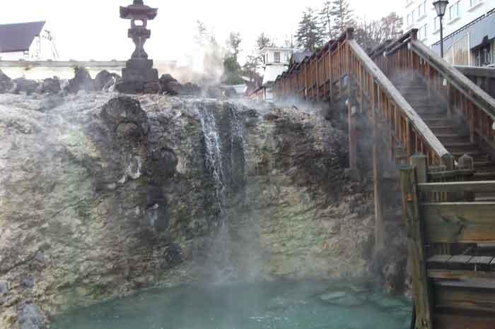 13-4-23-1草津温泉の湯畑