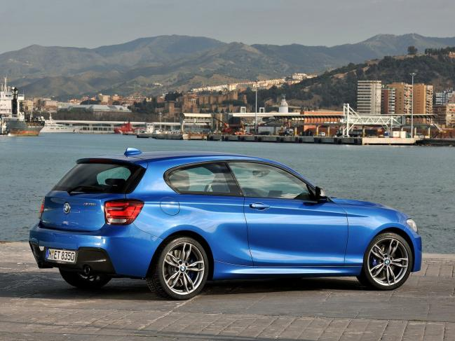 2013-BMW-M135i-Rear-Side.jpg