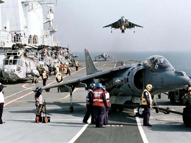 AV-8B_Harrier_II_McDonnell_Douglas.jpg