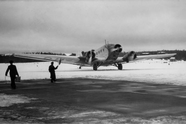 Aero_OY_Junkers_Ju-52_Finnair_via_Edvardsson.jpg