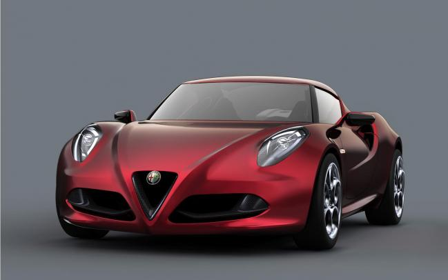 Alfa-Romeo-4C-drivers-side-front-three-quarters-21.jpg