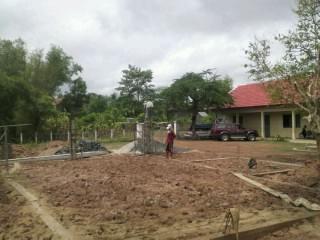 トロパントム小学校図書館建設4