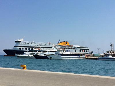 コス島の船着場
