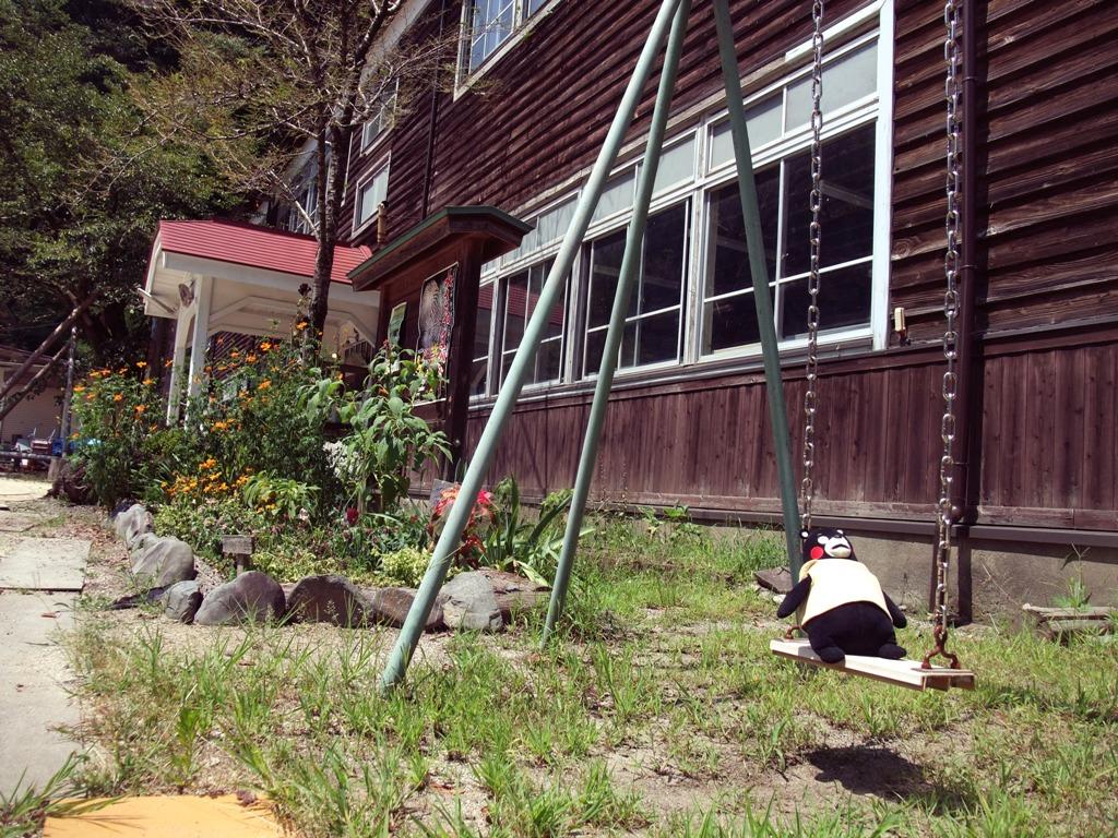 木沢小学校ブランコ