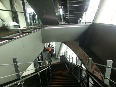 階段で移動