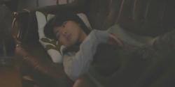 ソファーで寝ていたフレア、目を醒まし