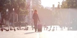 東京に向かう家出少女