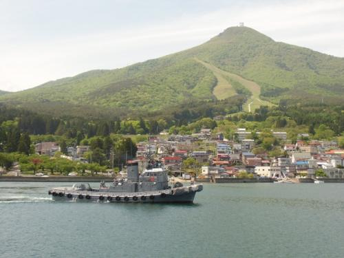 釜臥山と軍艦